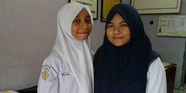 Khairunissa dan Ayu, Duo Berprestasi Asal SMP Alkhairaat Kota Ternate